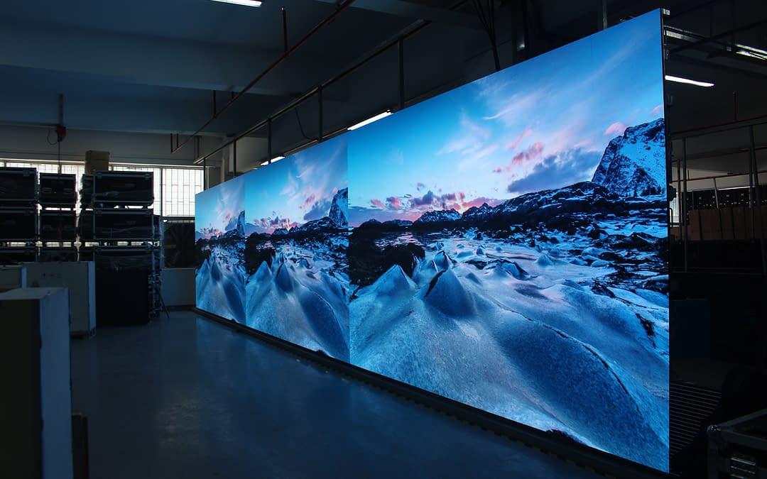 Publicidad en pantallas led para tu showroom